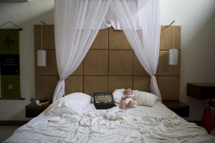 И на овом кревету лежи нека беба