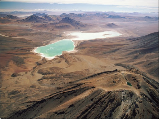 Laguna Verde and Extinct Volcano Licancabur, Andes, Bolivia.jpg