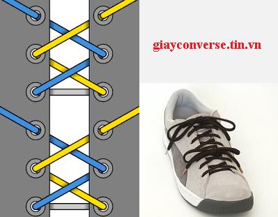 Cách buộc dây giày Converse kiểu thắt chia phần sành điệu