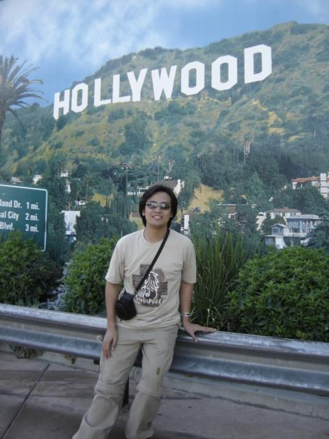PauTravels at the Hollywood Signboard in Universal Studios