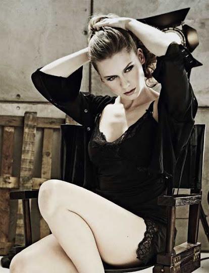 Manuela Vellés, ropa interior
