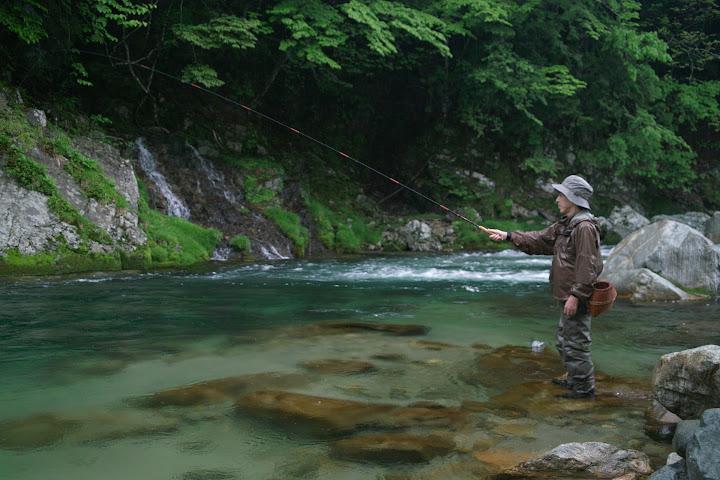 Eiji Yamakawa tenkara fishing