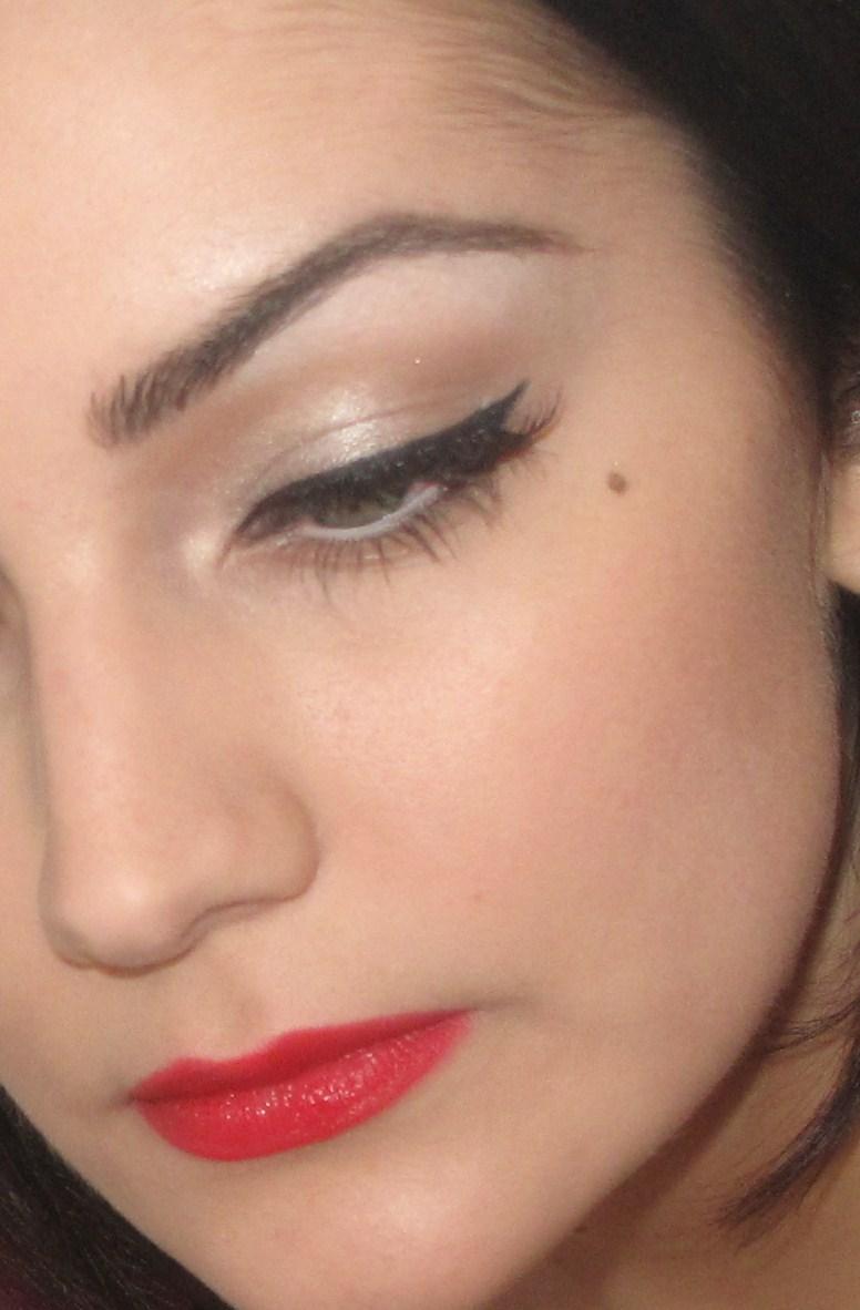 The Makeup Artist: 50s Makeup