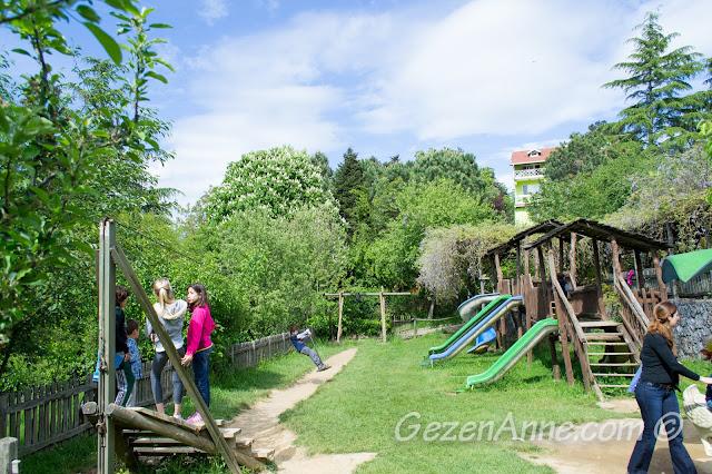 Stella'nın çocuk bahçesi, Polonezköy