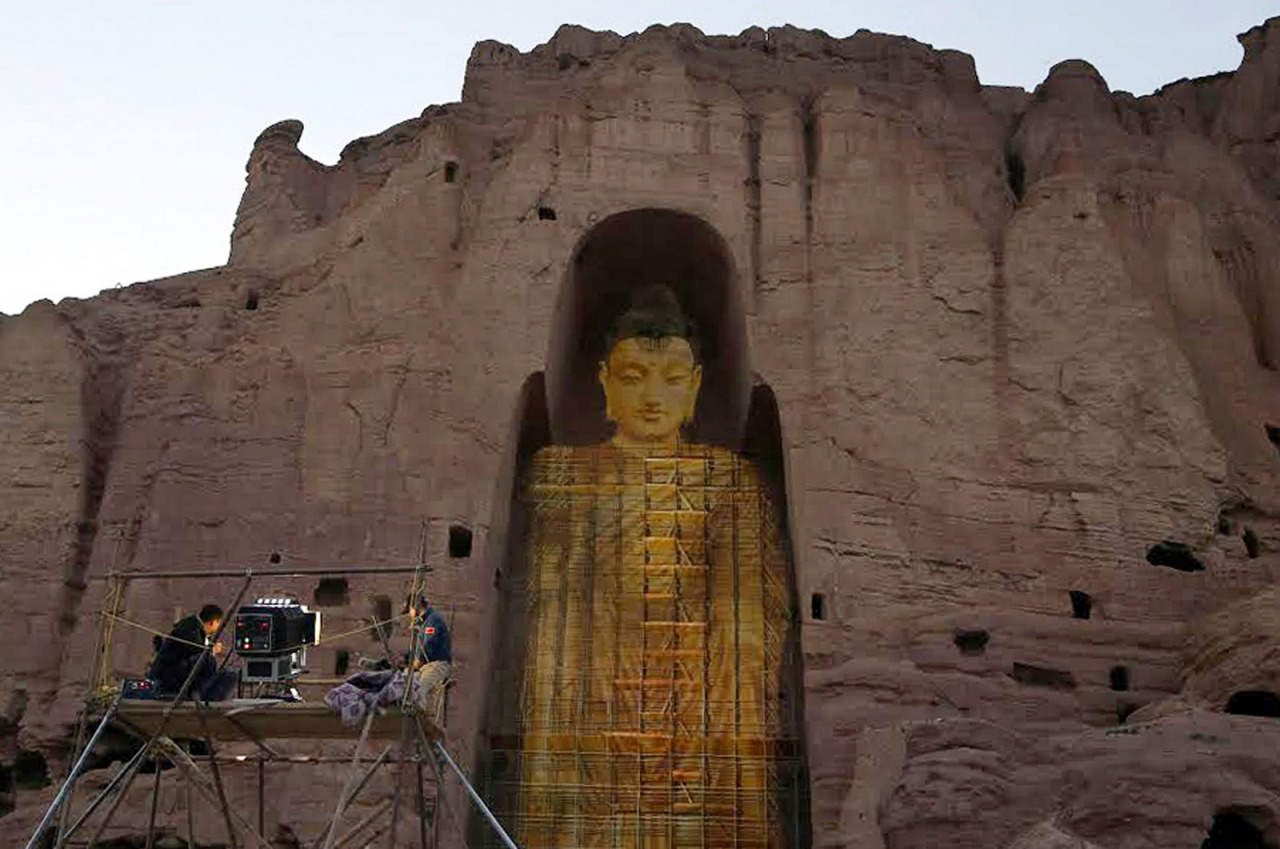 Central Asia: Bamiyan Buddhas rise again... in 3-D