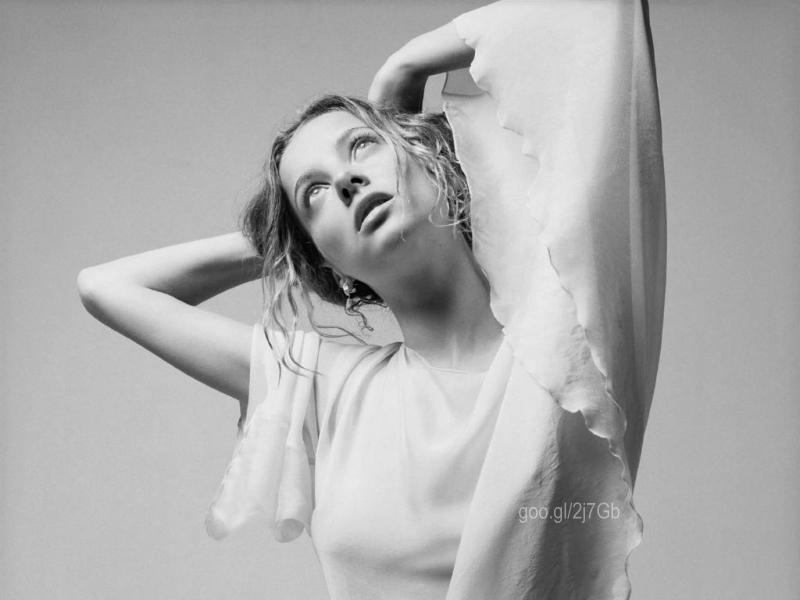 Bijou Phillips photos