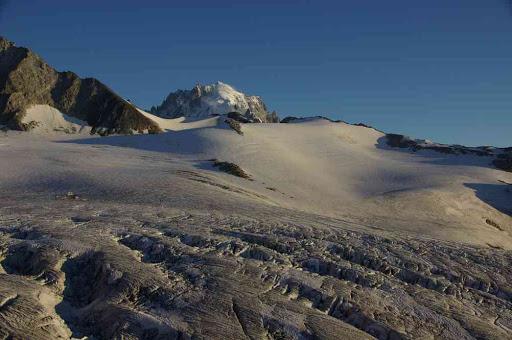 L'aiguille Verte et le glacier du Tour au crépuscule, du refuge Albert Ier
