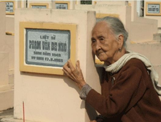 thơ mẹ Việt Nam anh hùng