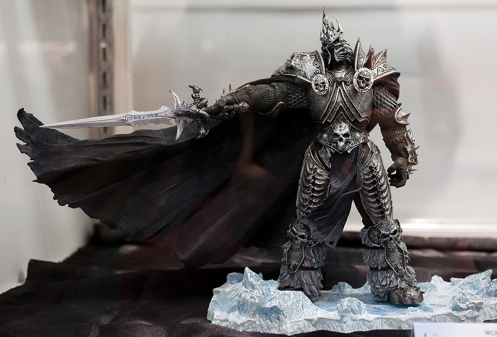 Sell Action Figure Warcraft Lich King Deluxe Figure