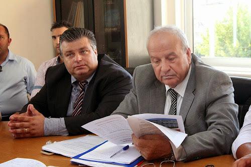 Ελάχιστα από όσα ανακοίνωσε ο κ. Γρηγοράκος στις αρχές του Αυγούστου υλοποιήθηκαν και τη νύφη πλήρωσαν οι διοικητές