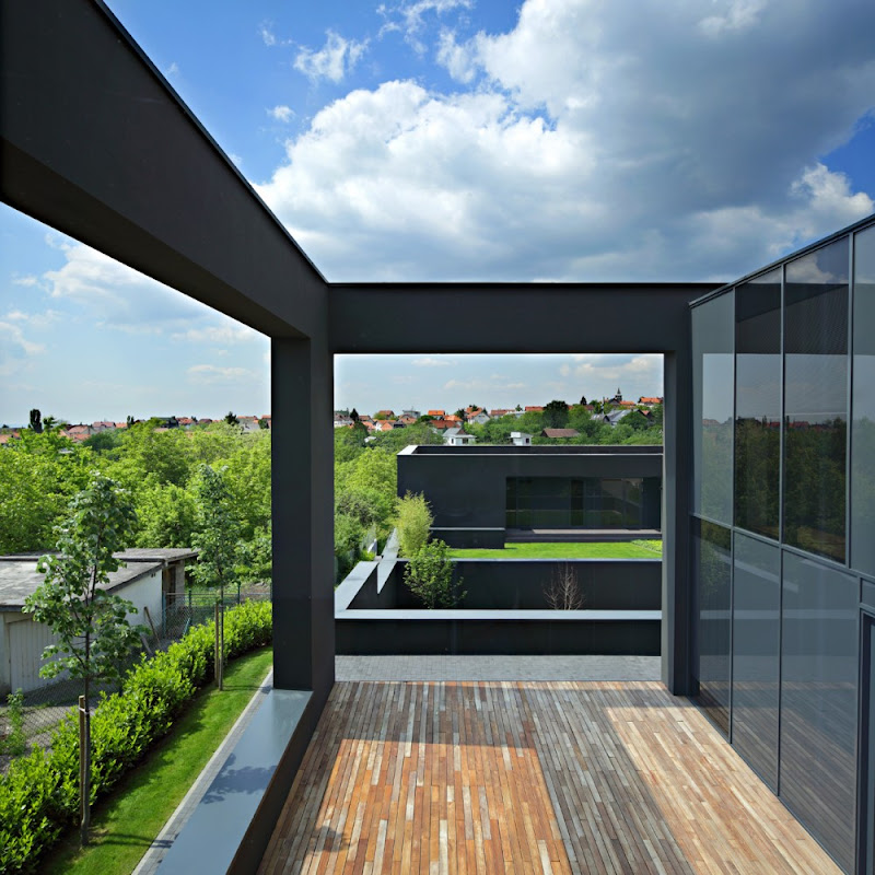 Black House design by DVA ARHITEKTA
