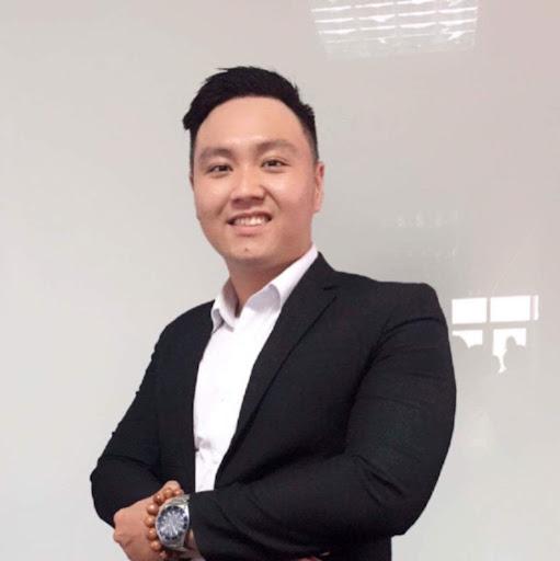Hoàng Trần