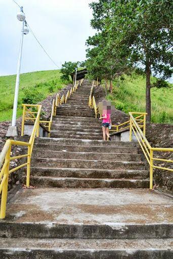 タプヤス山 - 延々と続く階段