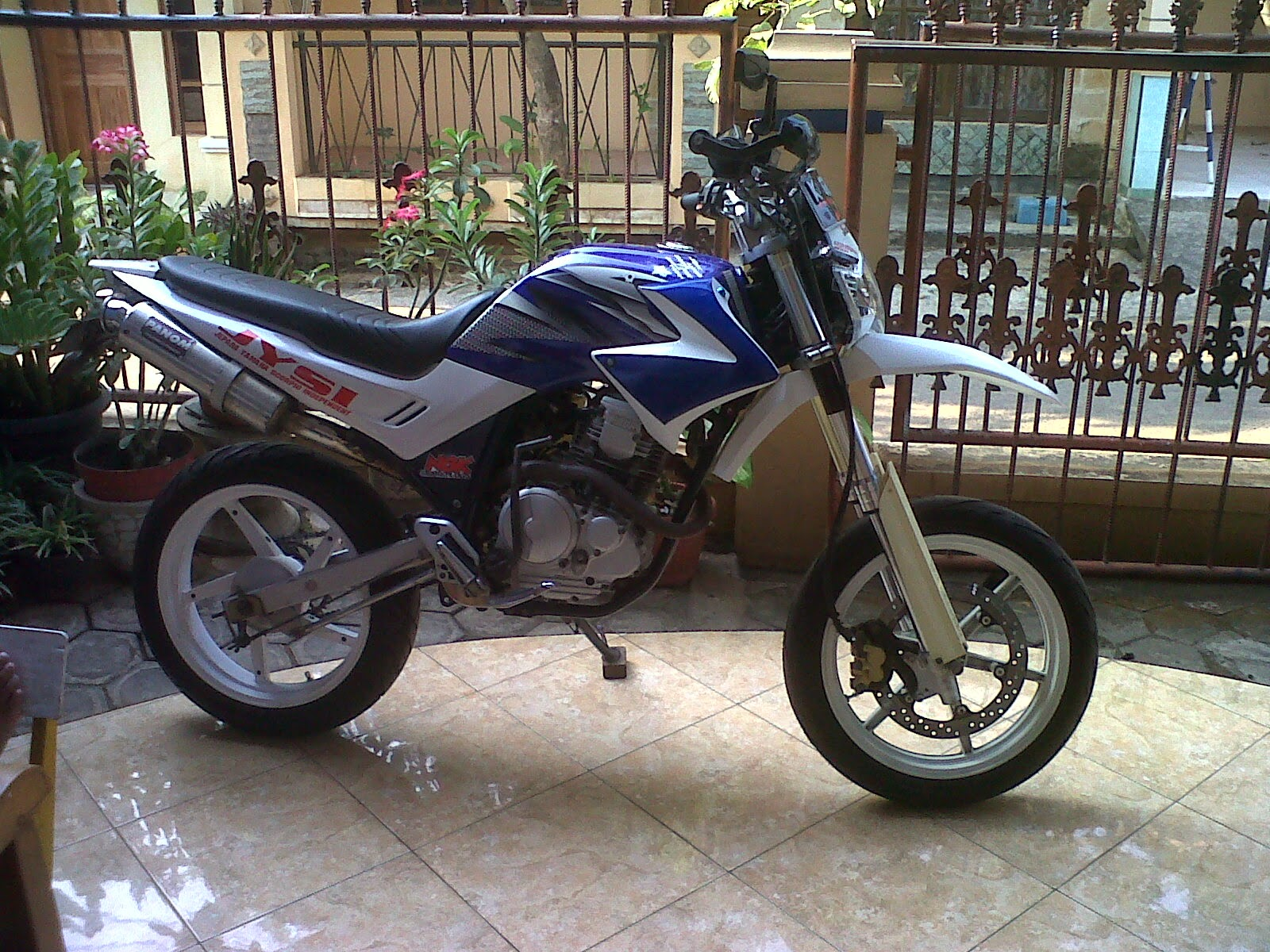 Scorpio Z Modifikasi Supermoto