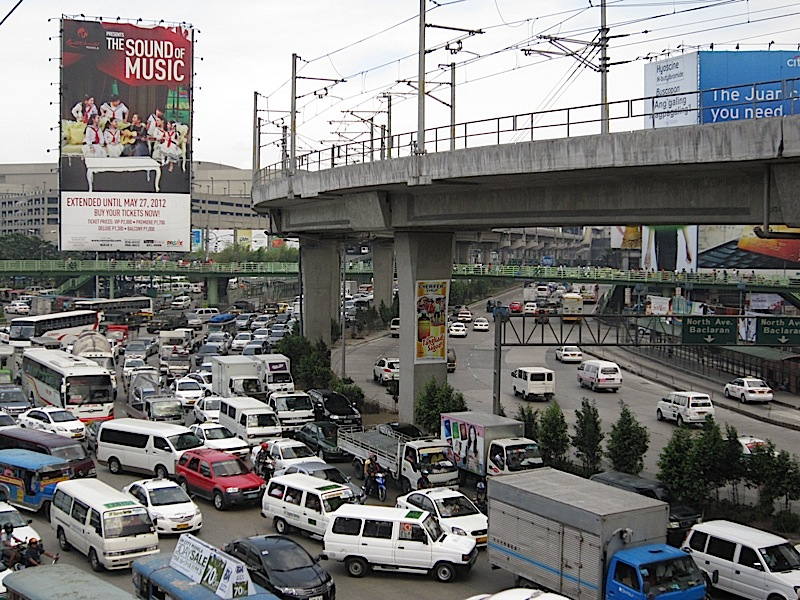 traffic at the corner of North Avenue and EDSA