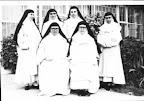 Hermanas Frente del Primer Colegio