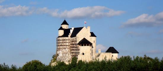 zamek Bobolice w całej okazałości