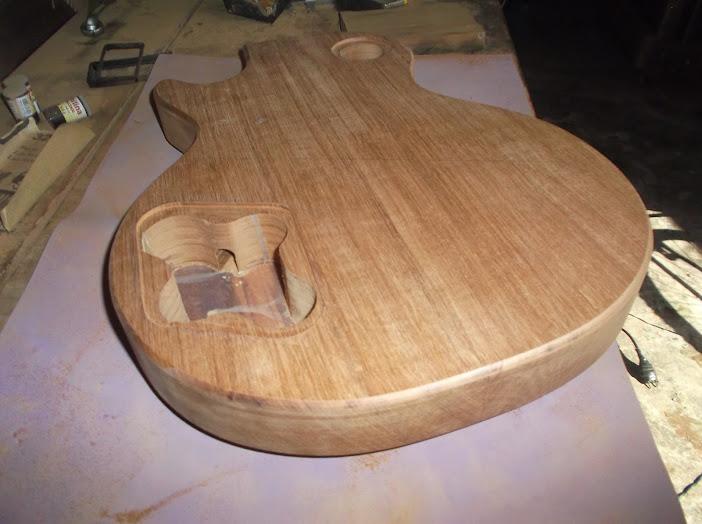 Construção inspirada Les Paul Custom, meu 1º projeto com braço colado (finalizado e com áudio) - Página 3 DSCF1331