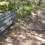 Sign post between Evans car park and lookout (15976)