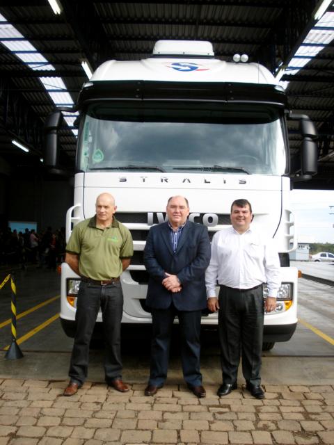 Carboni Iveco de Passo Fundo entrega unidades 0km na região letsara