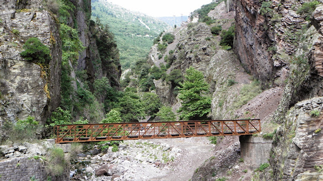 Η παλιά γέφυρα της Κοτσίστας