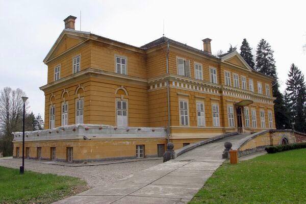 Castelul de la Săvârșin, singura proprietate din România cu adevărat privată a Casei Regale