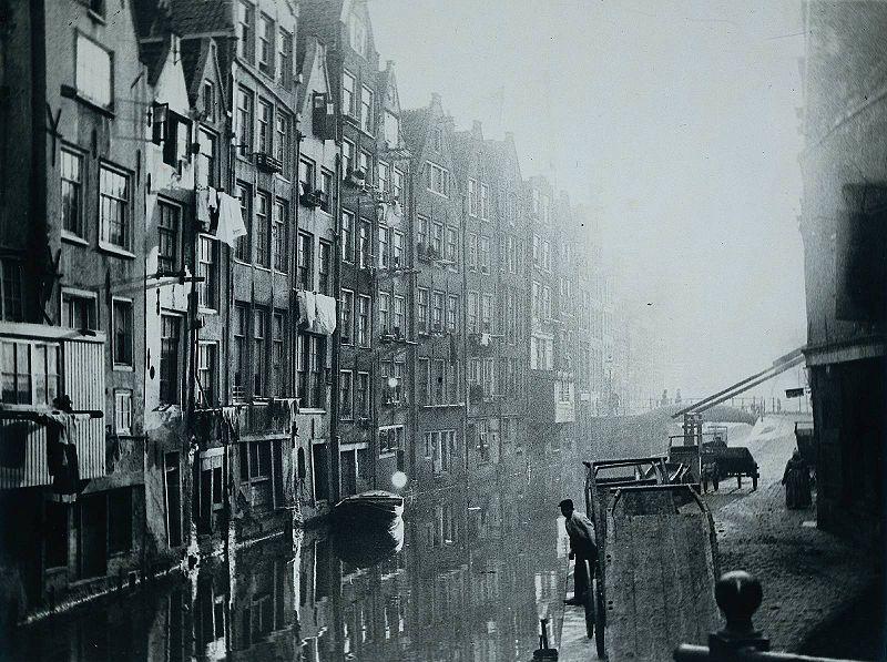 George Hendrik Breitner - Oudezijds Achterburgwal, Amsterdam (Het Kolkje)
