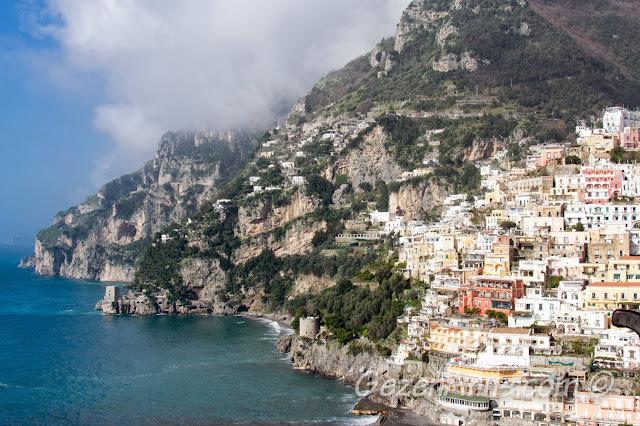 Amalfi kıyıları ve Positano manzarası