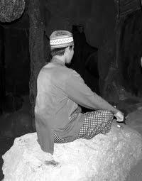Ritual Kawin Dengan Jin Di Gunung Salak