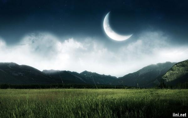 ảnh trăng khuyết trong đêm thanh vắng