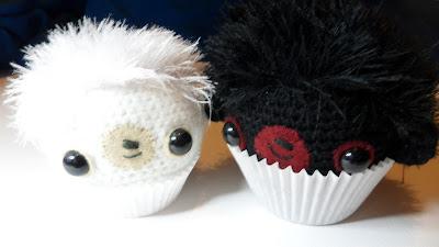 Cute Amigurumi crochet cupcake bears,Ebony and Ivory