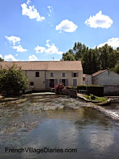 French Village Diaries river Boutonne Poitou Charentes France
