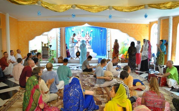 Фотографии с празднования Дня Явления Господа Баларамы 13 августа, Запорожье