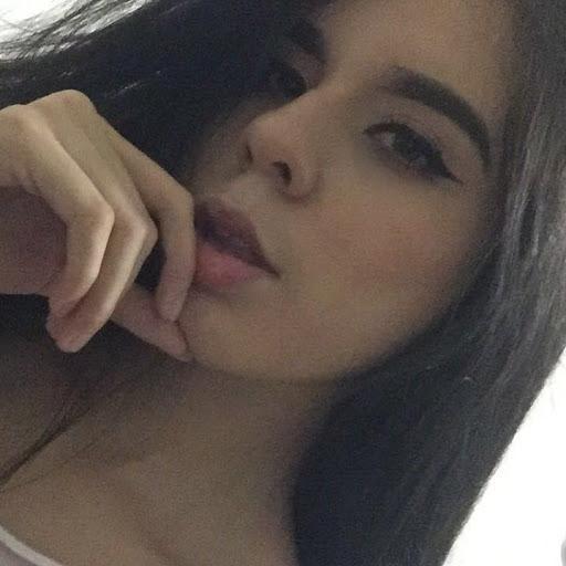 Karla Velazquez Photo 19