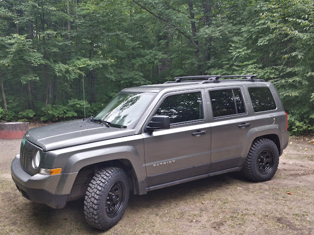 2 lift 1 5 spacer 17 rubicon rims now i need tires jeep patriot forums. Black Bedroom Furniture Sets. Home Design Ideas