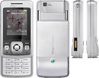 Sony Ericsson T303 has slider mechanism