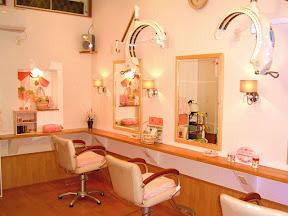 美容室モードヘアークレヨン のイメージ写真