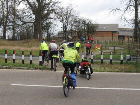 """Cyclists"