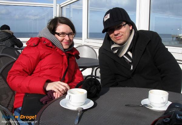kawa przy molo w brzeźnie