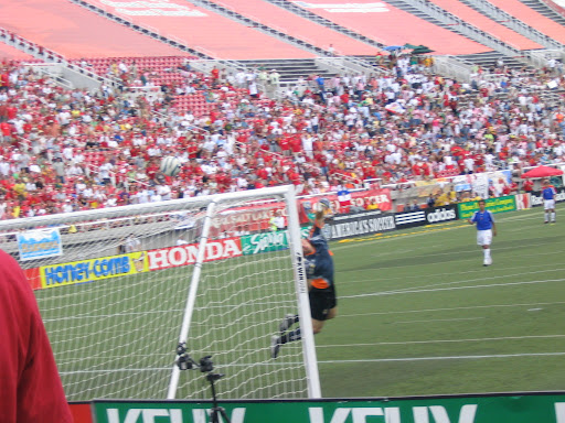 8_6_05 game14 - guzan save.JPG