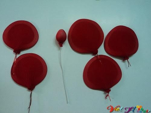 Cách làm hoa hồng nhung bằng vải voan (bước 4)