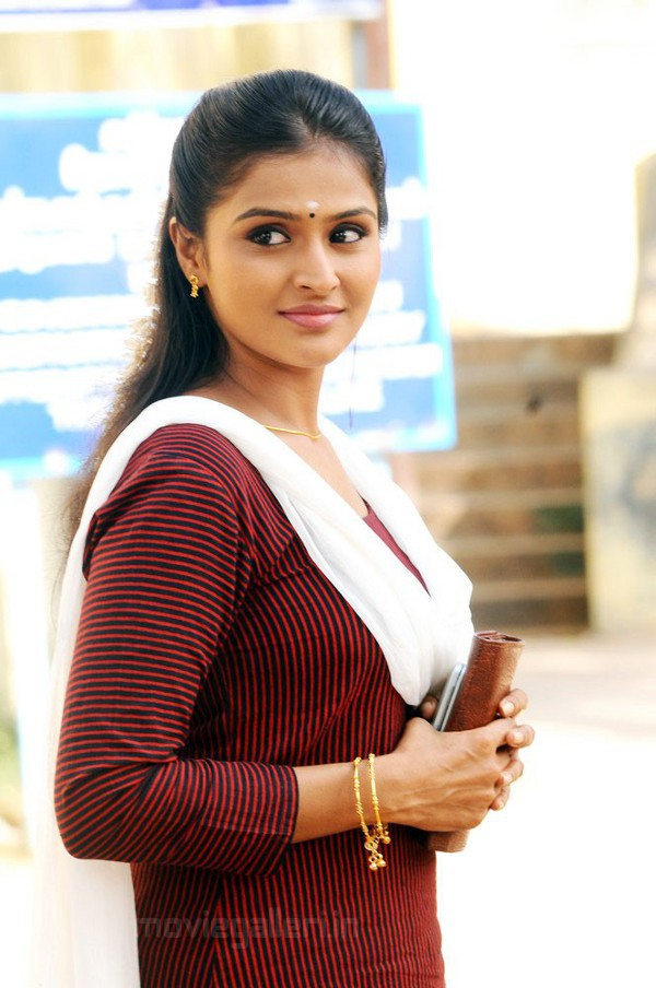 Ramya nambesan in xray dress — pic 10