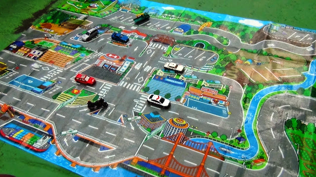 Bản đồ khu dã ngoại Tomica phù hợp với các em nhỏ từ 3 tuổi trở lên