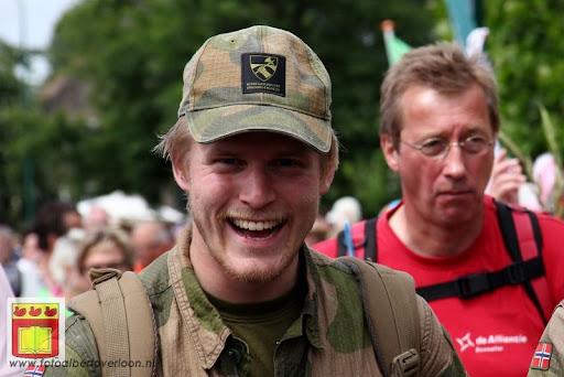 Vierdaagse van Nijmegen door Cuijk 20-07-2012 (79).JPG