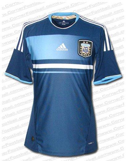 Y Se Hizo De Noche  La nueva camiseta de la selección Argentina para la  Copa América 2011 d473ad607fa30