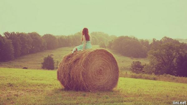 thơ tình ngắn cô đơn của con gái
