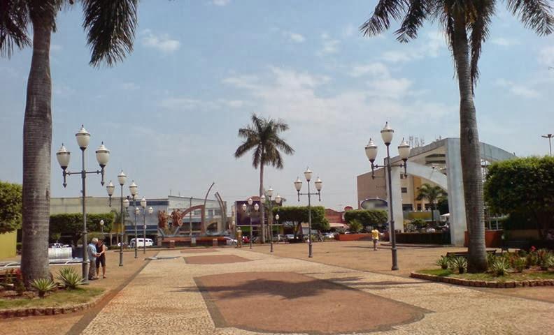Praça Salles Filho.