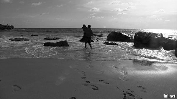 ảnh bế người yêu trước biển