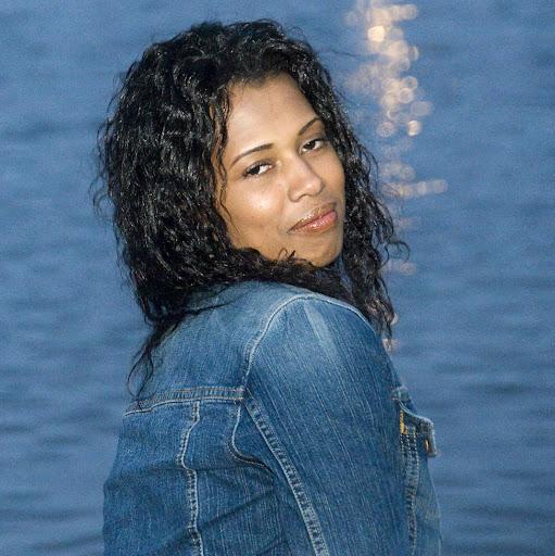 Gina Johnson Photo 38