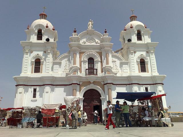 Imagen del santuario internacional de la santicima Virgen del Rosario de Yauca - Ica Perú